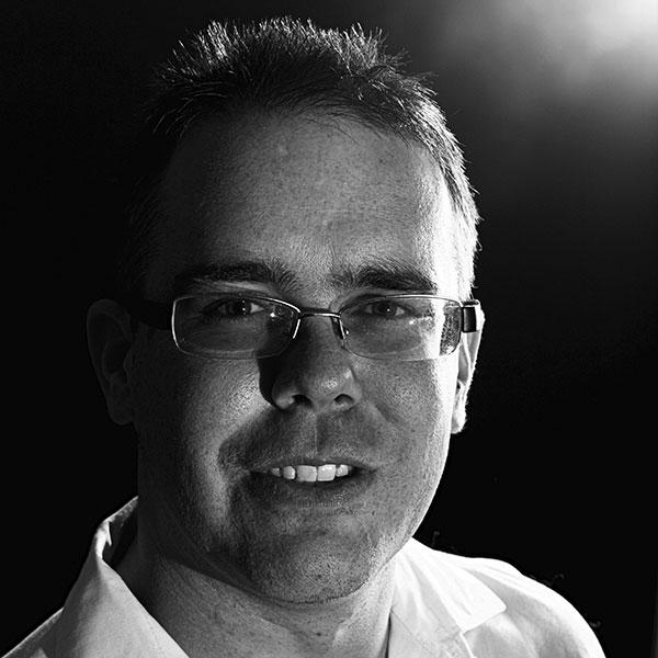 Portrait Mark Hajunga - Ihn. Briefmarken Hajunga